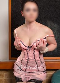 Prague escort girl Anna - Mature Lady available for different kind of roleplay