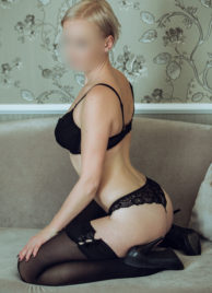 Hourly rate EUR 150 Petra - Short Haired Blond escort in Prague